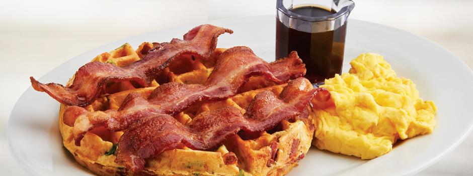 Seasonal Entrée: Bacon & Tillamook® Potato Waffle & Eggs